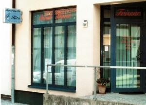 Altstadt Friseur Schaufenster BEA